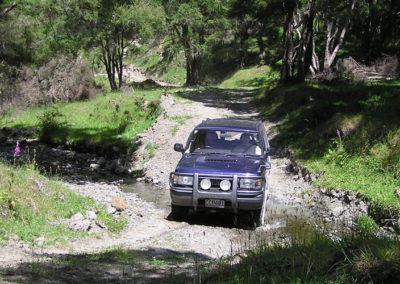 Tora 4wd track creek crossing